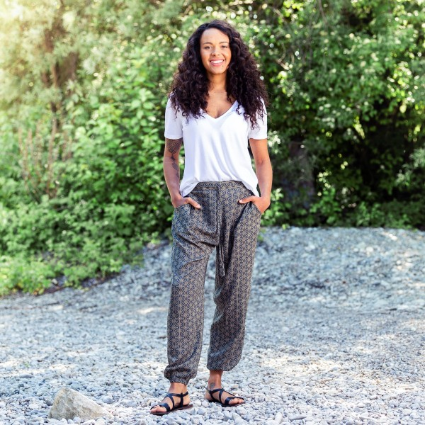 Relaxed pants geometric style